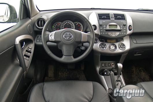 Toyota RAV4 2,4