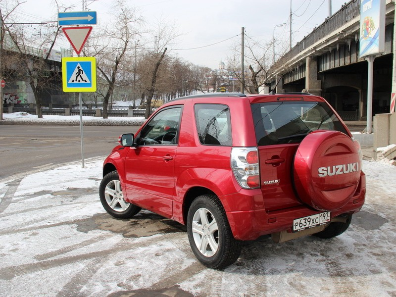 Трехдверный представитель Suzuki Grand Vitara – знакомимся поближе