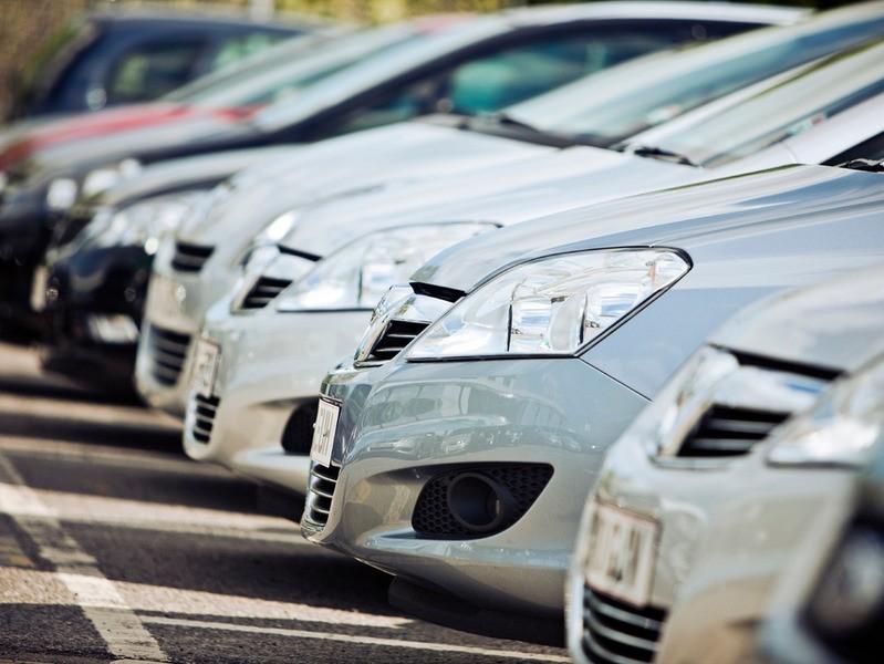 Как действовать, когда одни мечтают продать машину, другие купить