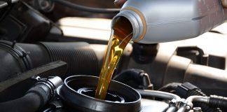 Как замена масла в двигателе помогает уберечь его от поломки