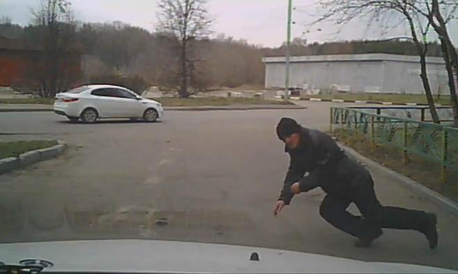 Автоподставы: Что делать, если кто-то бросился под вашу машину