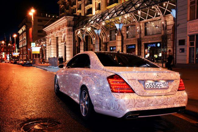 Сколько стоят автомобили в камнях Swarovski и какие преимущества покупки ювелирных изделий в Интернете